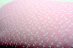 rózsaszín, fehér masnikkal